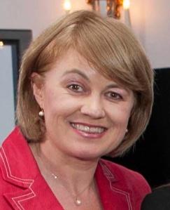Emer Ní Bhrádaigh, Fiontar